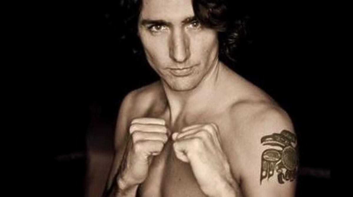 Justin Trudeau bez koszuli