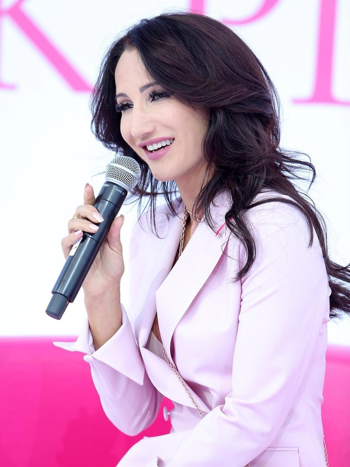 Justyna Steczkowska na Dniu Różowej Wstążki