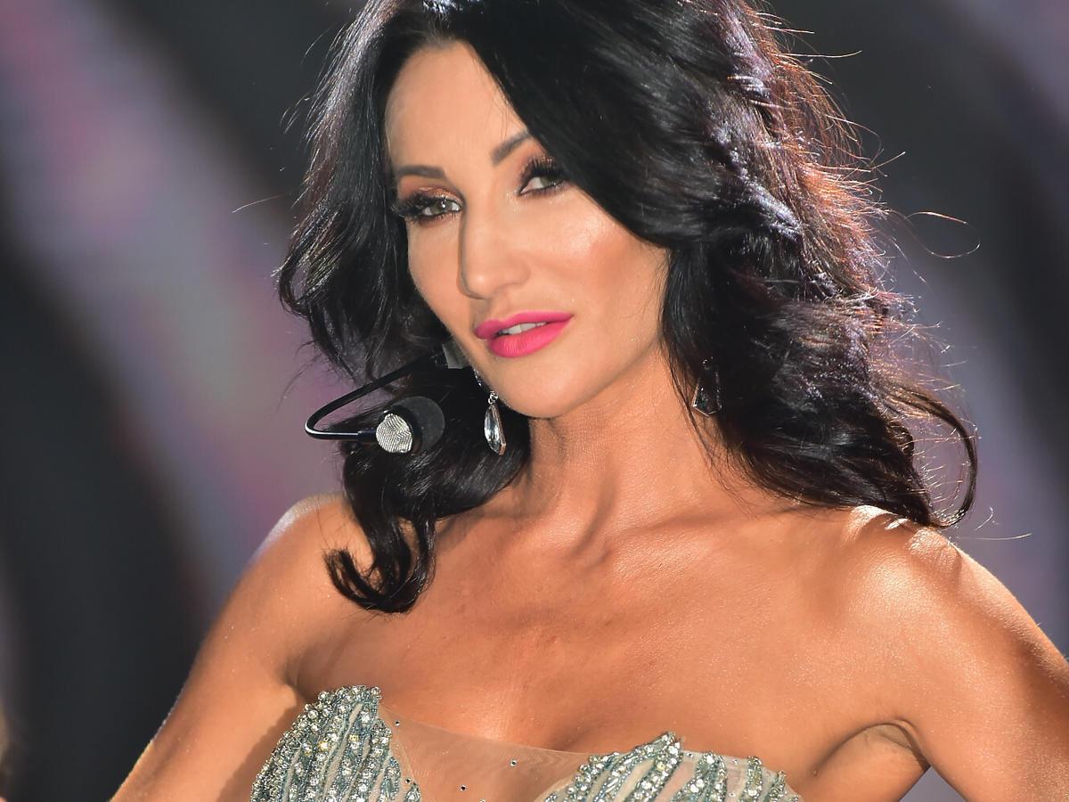 Justyna Steczkowska w błyszczącej sukience