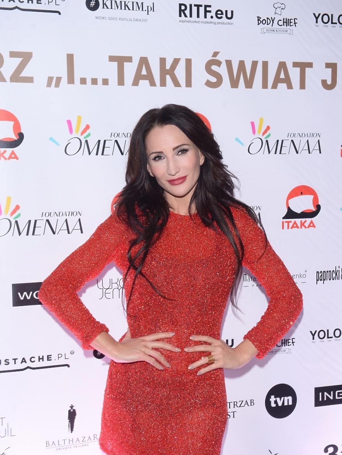 Justyna Steczkowska w czerwonej sukience