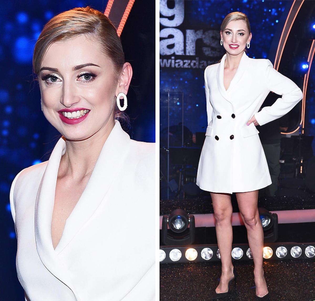Justyna Żyła w białej sukience na widowni Tańca z gwiazdami