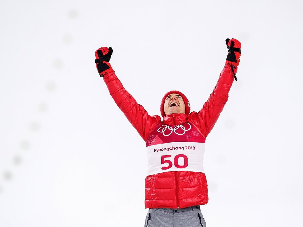 Kamil Stoch cieszy się z olimpijeskiego złota w Pjongczangu