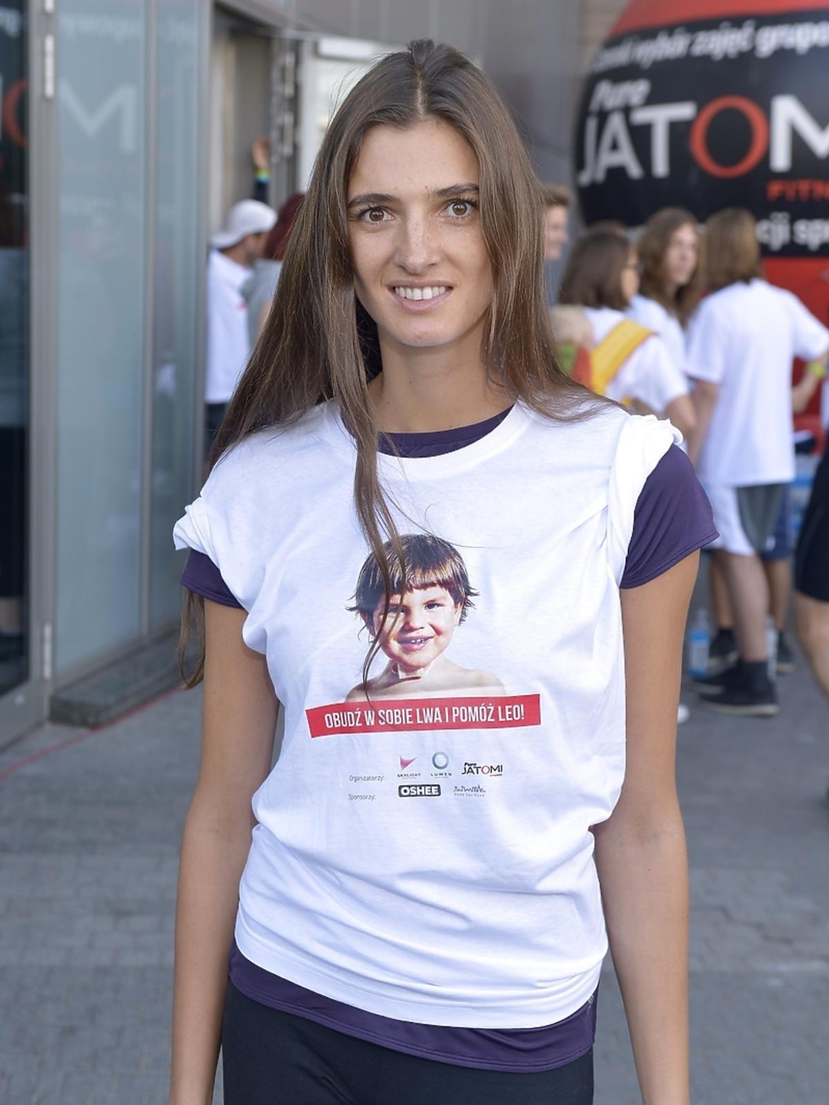 Kamila Szczawińska podczas aukcji dla Leo