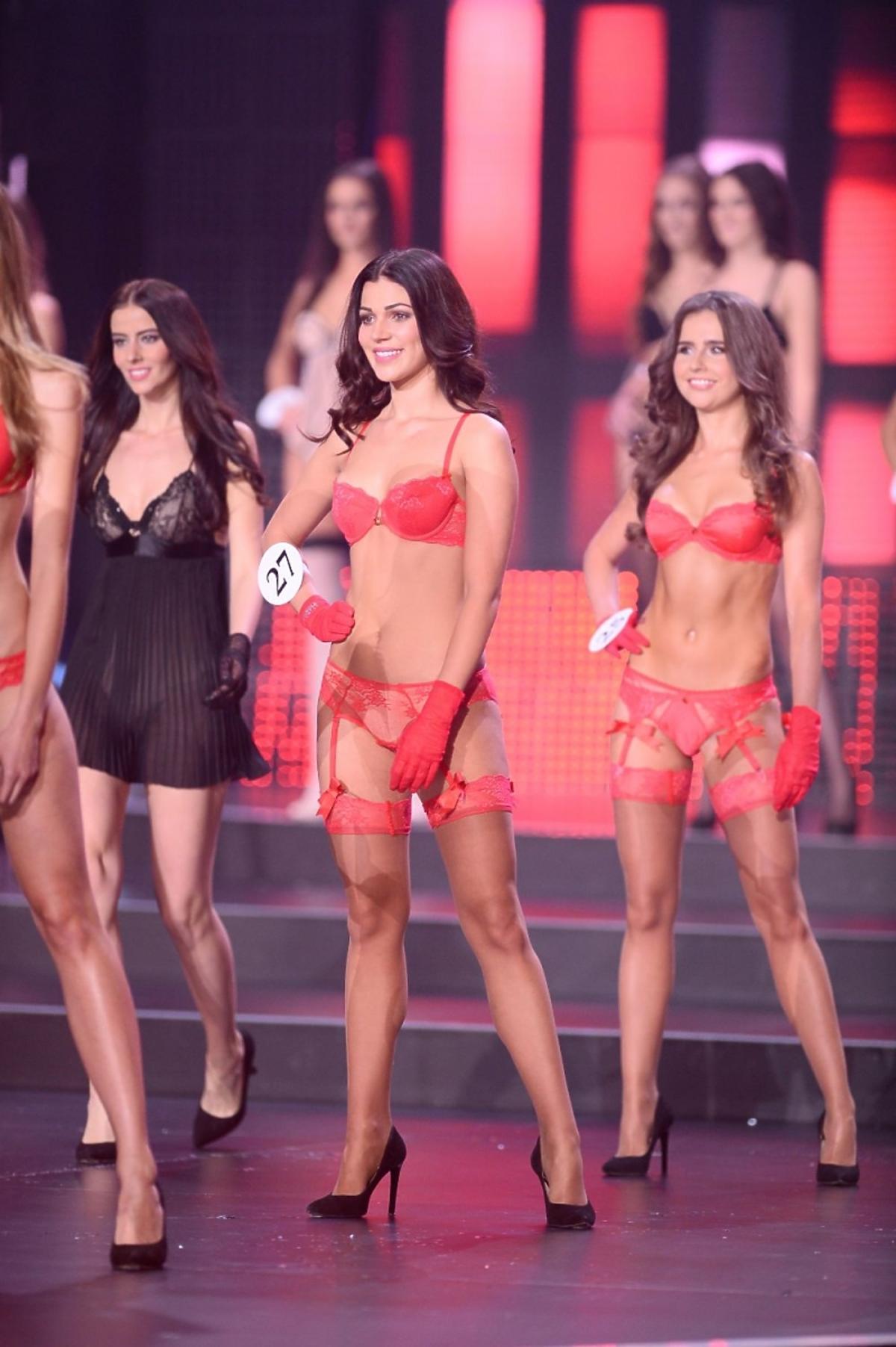 Kandydatki na Miss Polski 2015 w strojach kąpielowych