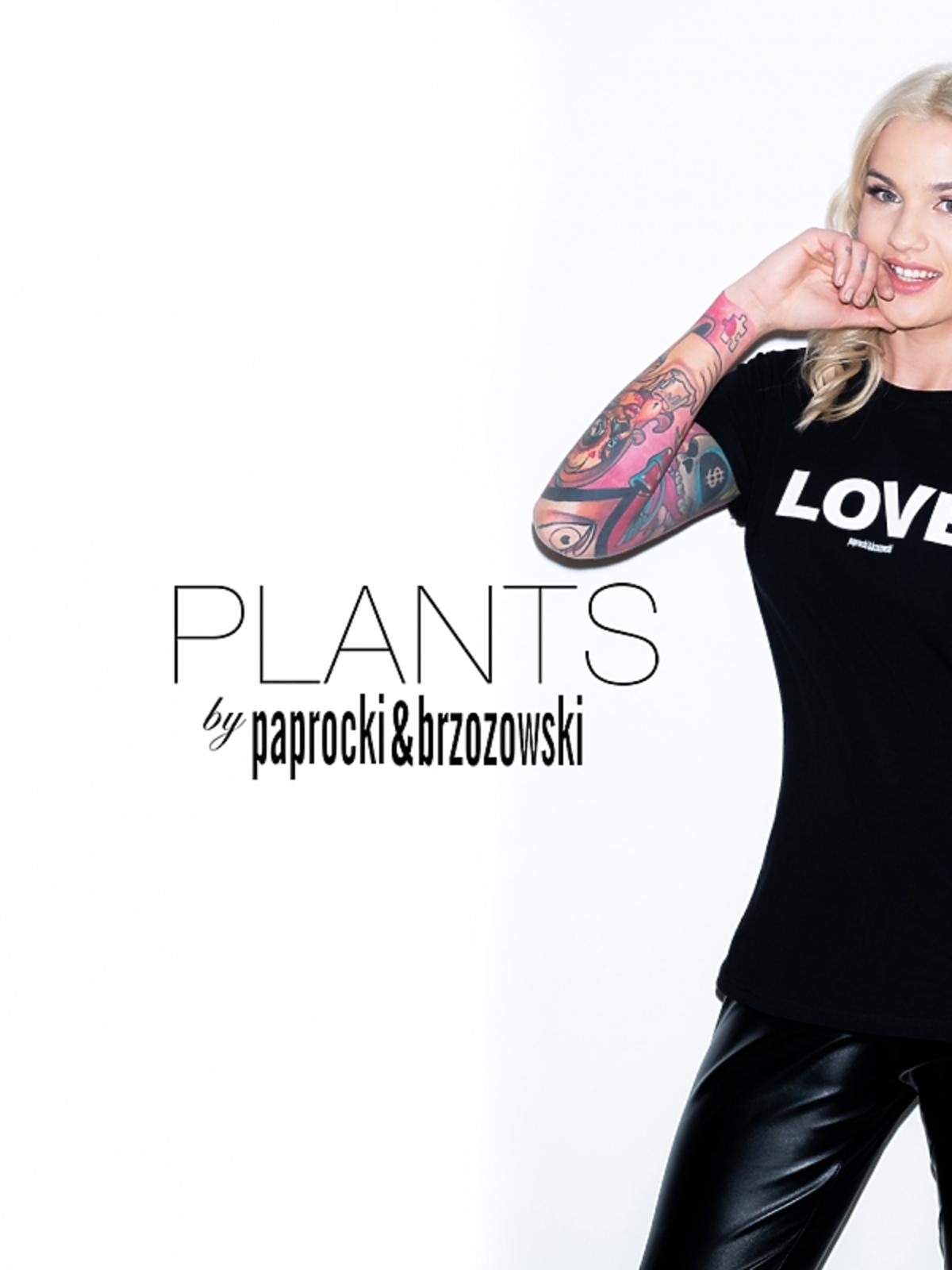 Karolina Gilon w koszulce