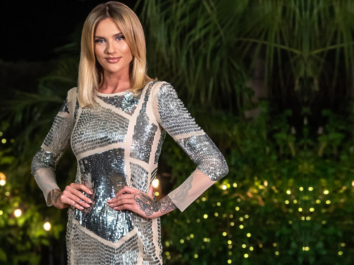 Karolina Gilon w srebrnej sukience z Love Island