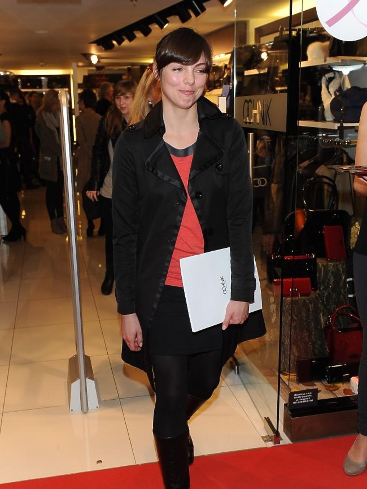 Karolina Gorczyca na jesiennych zakupach w salonie Ochnik