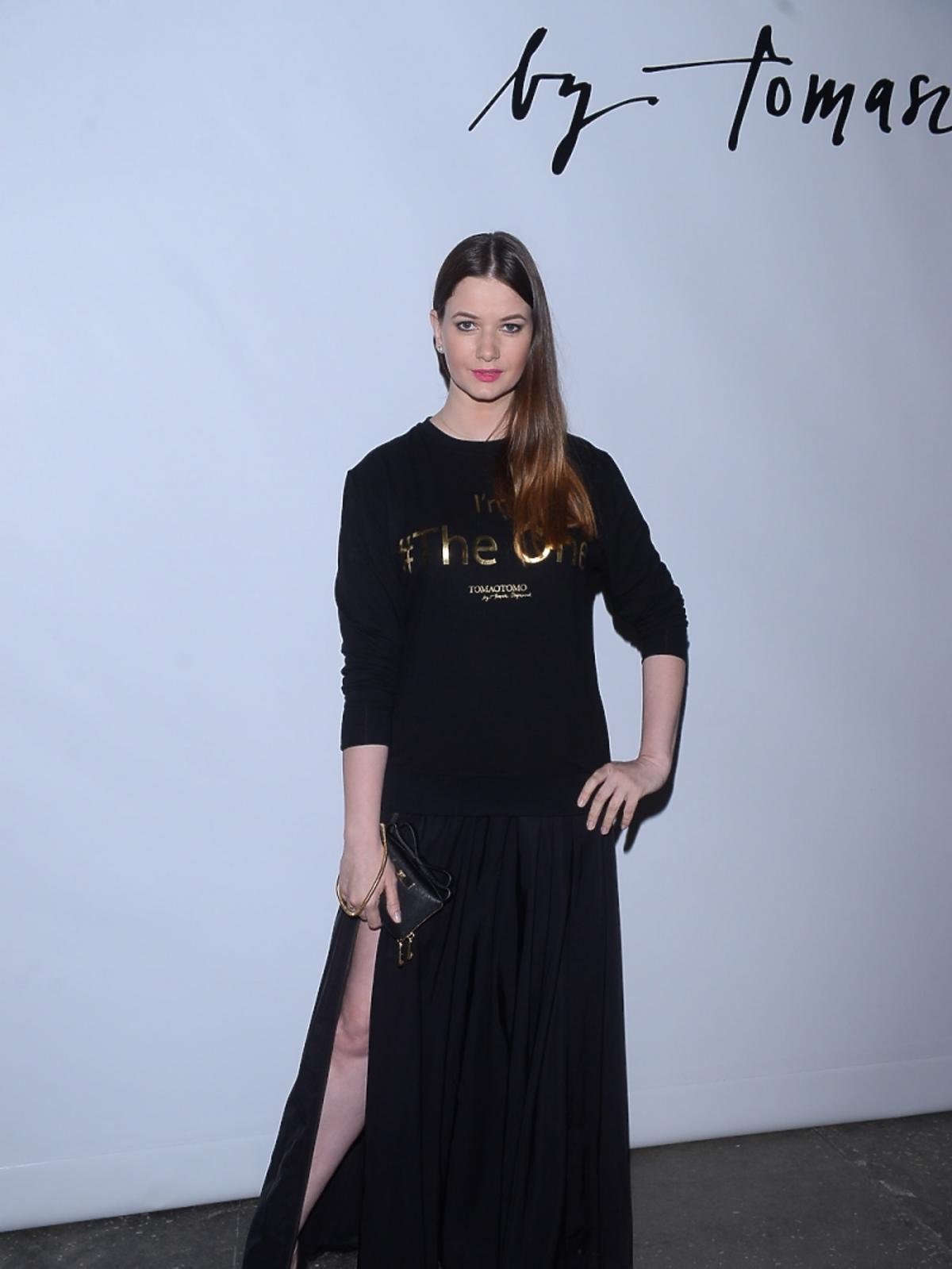 Karolina Maliowska na pokazie Tomaotomo