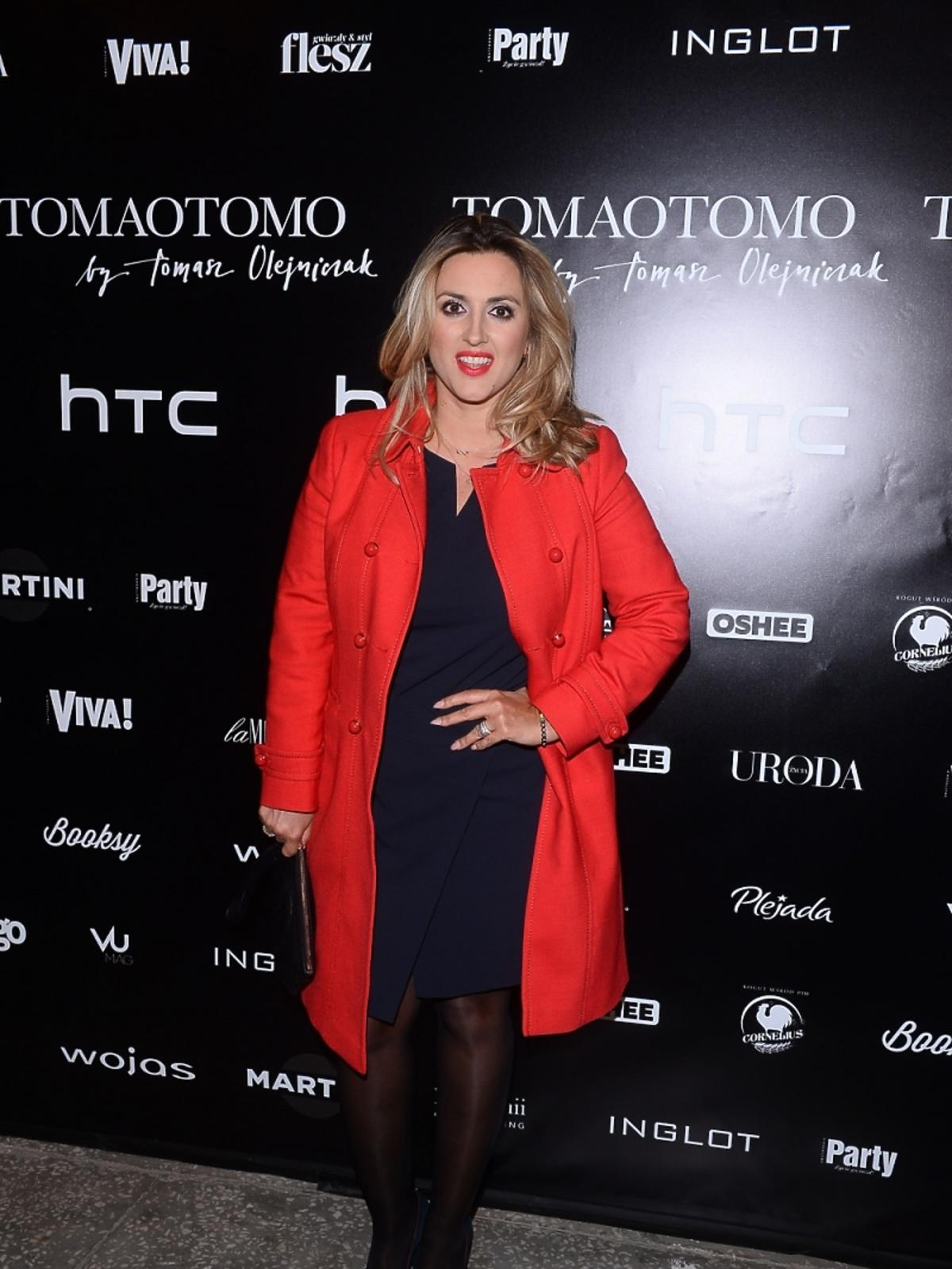 Karolina Szostak na pokazie Tomaotomo