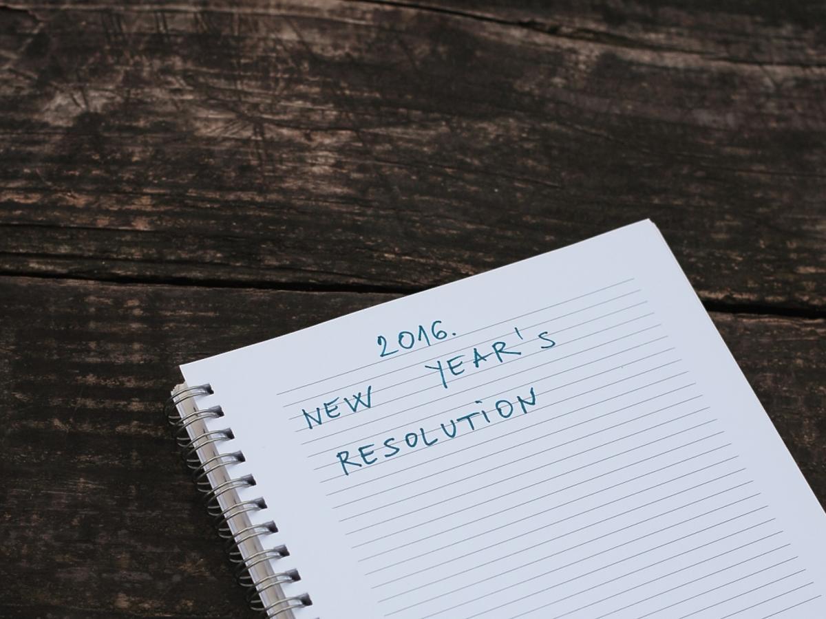 kartka z postanowieniami noworocznymi