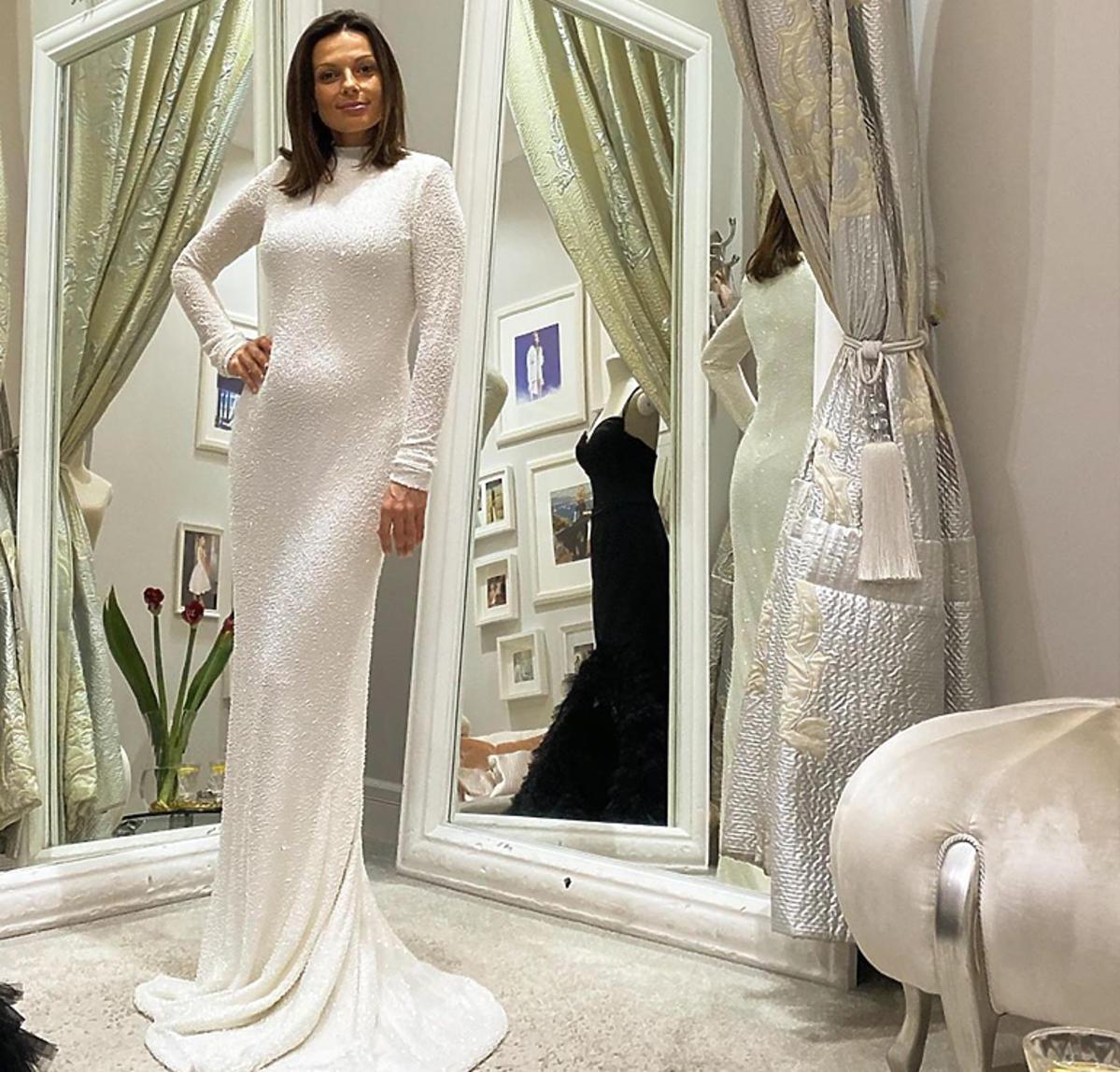 Kasia Glinka w białej sukni od Violi Piekut