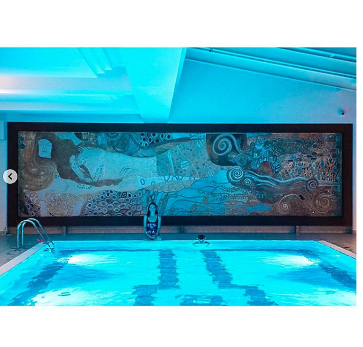 Kasia Kowalska w kostiumie kąpielowym