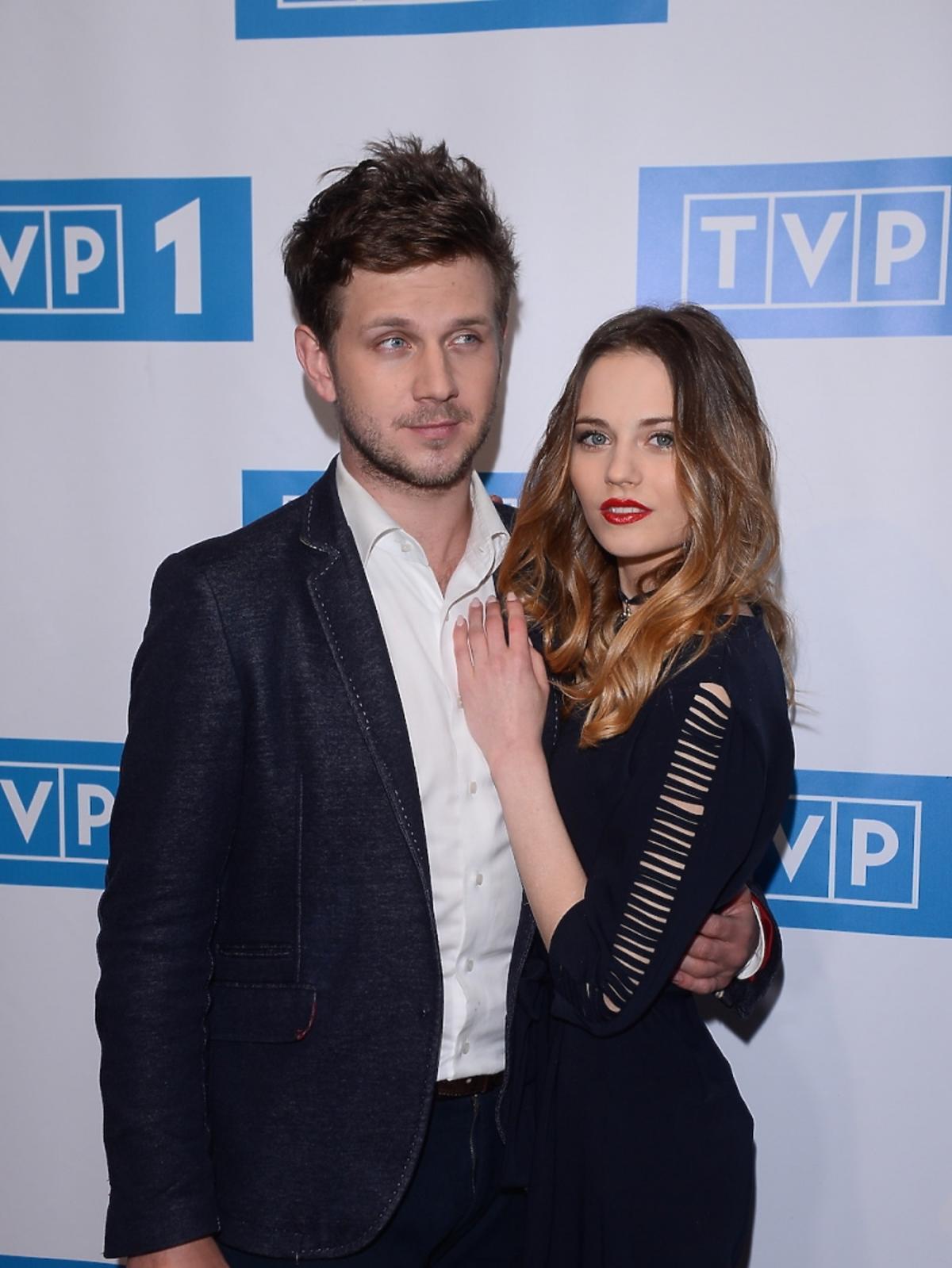 Kasia Sawczuk i Antek Królikowski na ramówce TVP 1