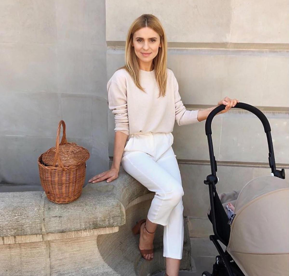 Kasia Tusk z córką w wózku