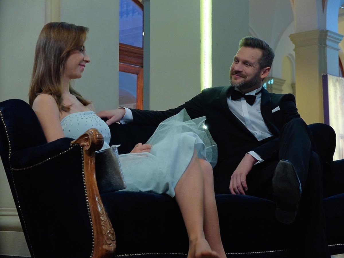 Katarzyna Ankudowicz w niebieskiej sukience