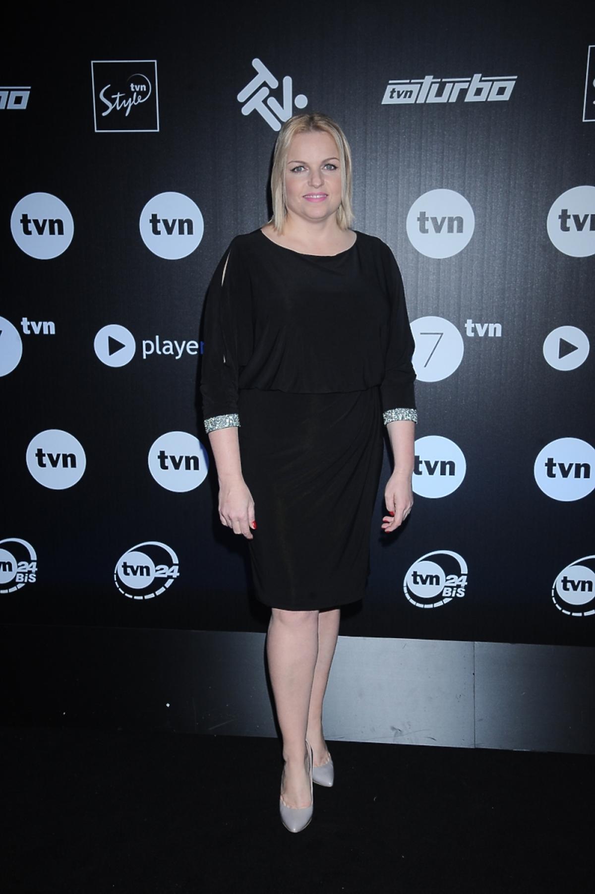 Katarzyna Bosacka w czarnej sukience