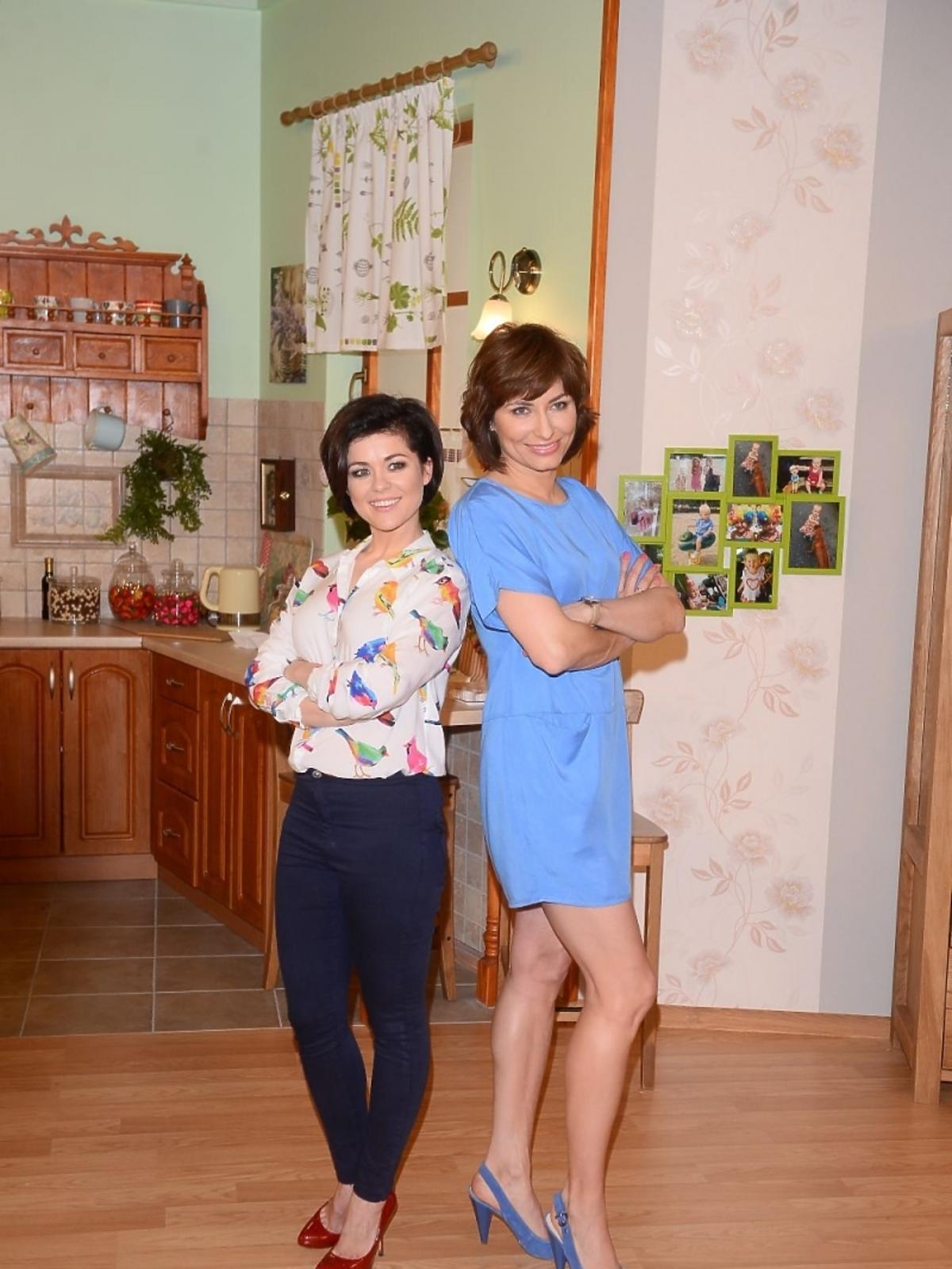 Katarzyna Cichopek i Katarzyna Trzaskalska na planie programu Twój Puls