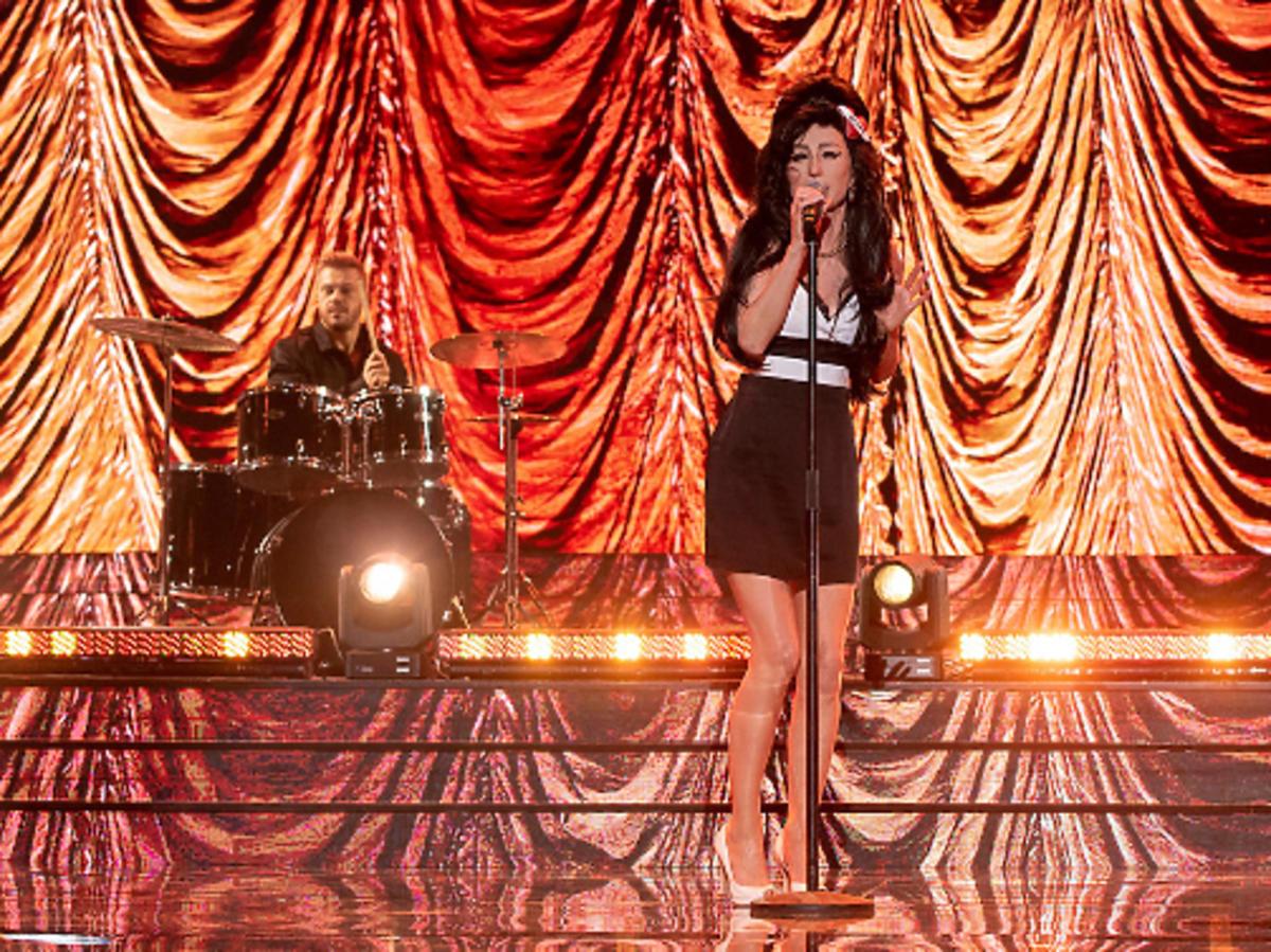 Katarzyna Dąbrowska jako Amy Winehouse w programie Twoja Twarz Brzmi Znajomo
