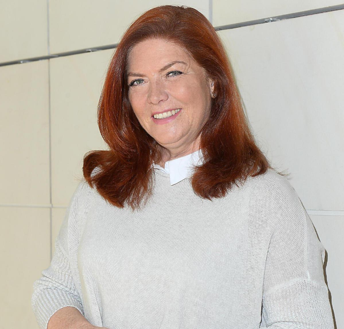 Katarzyna Dowbor w jasnym swetrze