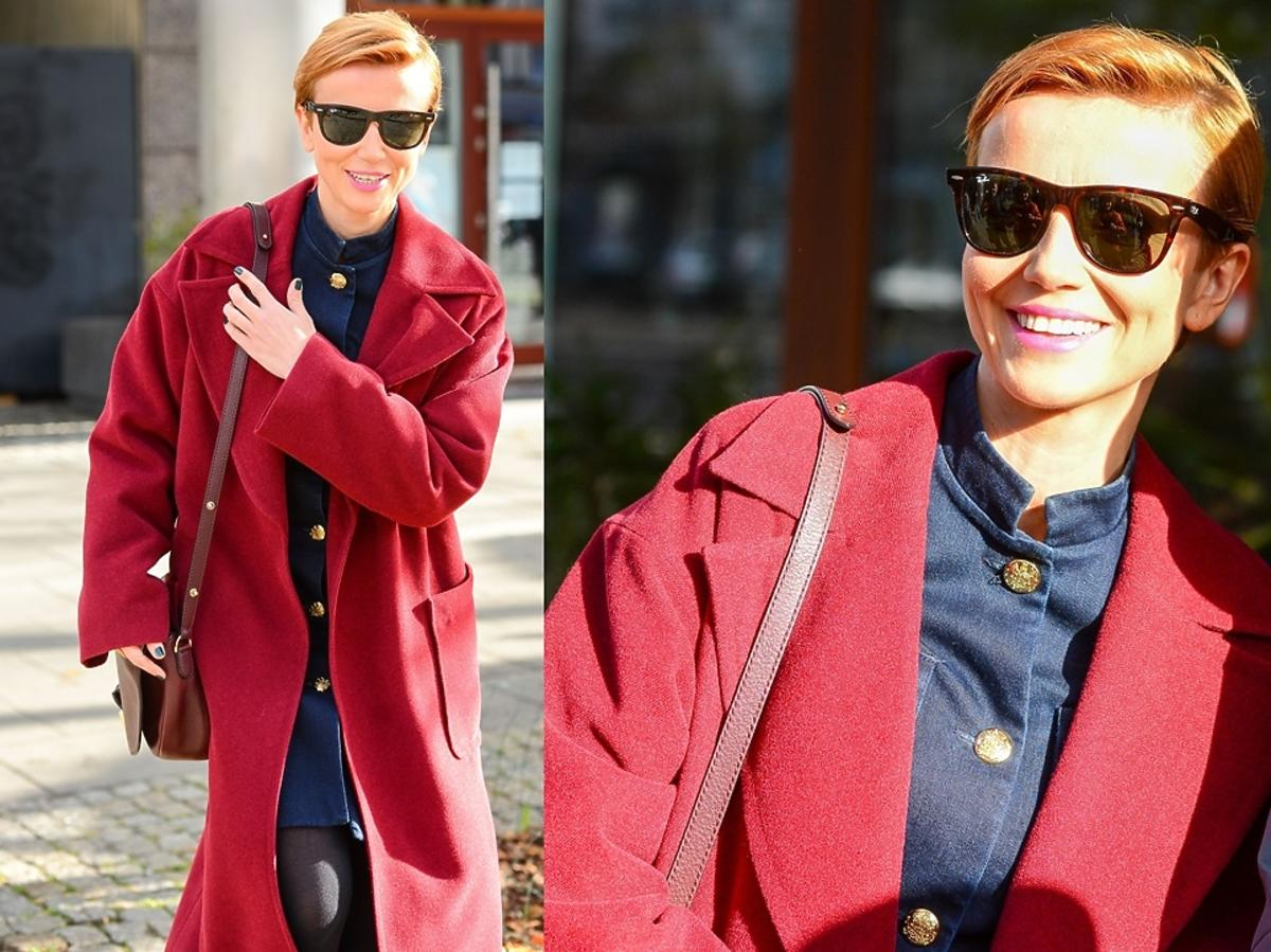 Katarzyna Zielińska w bordowym płaszczu