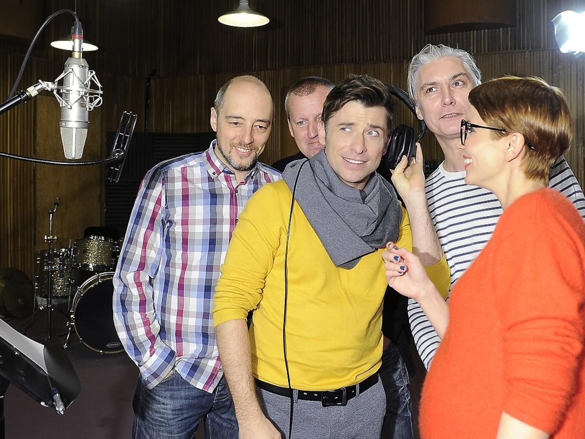 Katarzyna Zielińska w ciąży w studiu nagraniowym