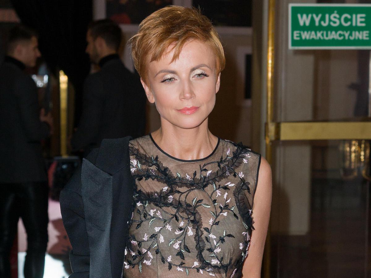 Katarzyna Zielińska w czarnej sukience