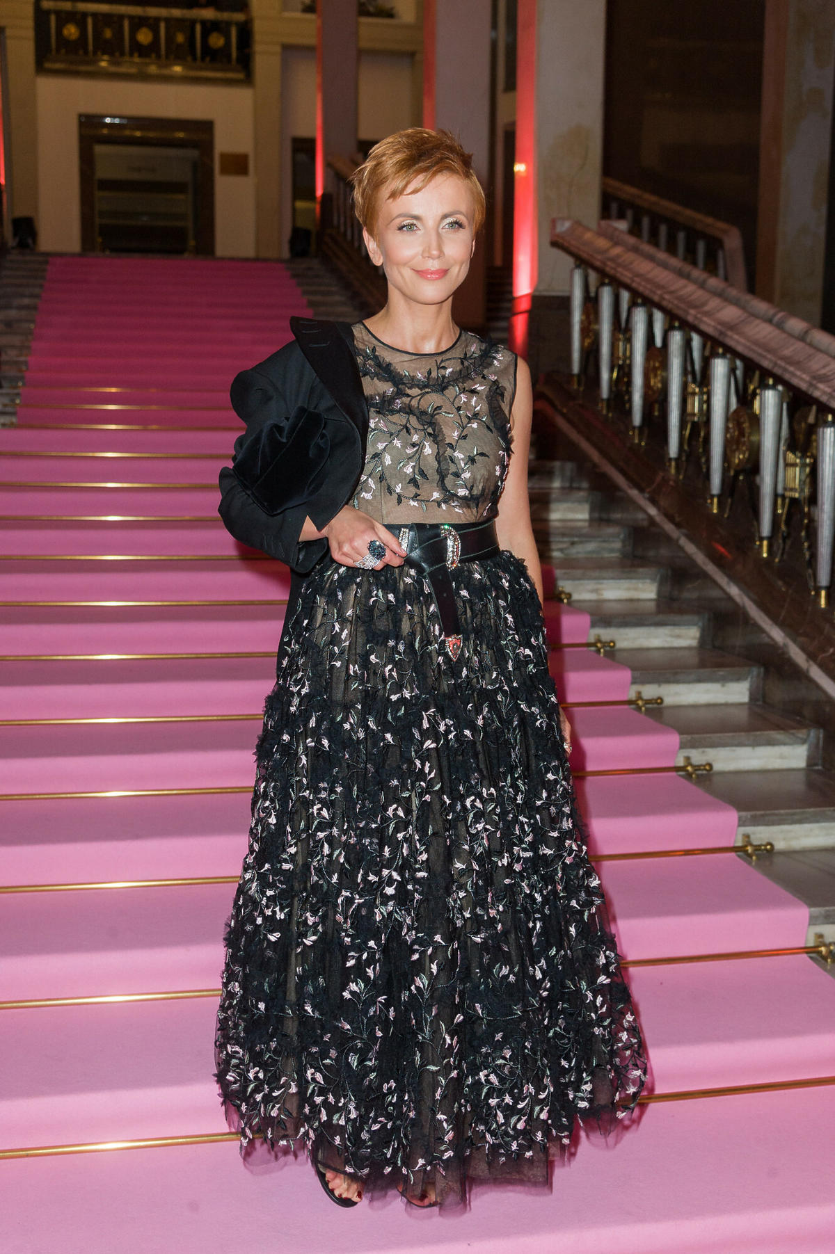 Katarzyna Zielińska w czarnej sukni