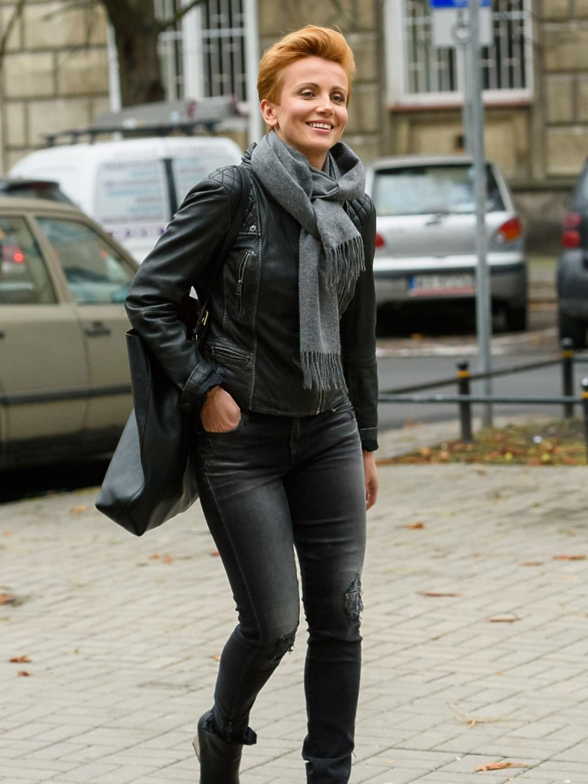 Katarzyna Zielińska w czarnych spodniach