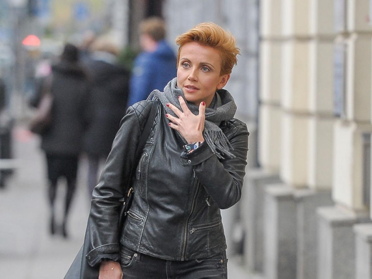 Katarzyna Zielińska w skórzanej kurtce