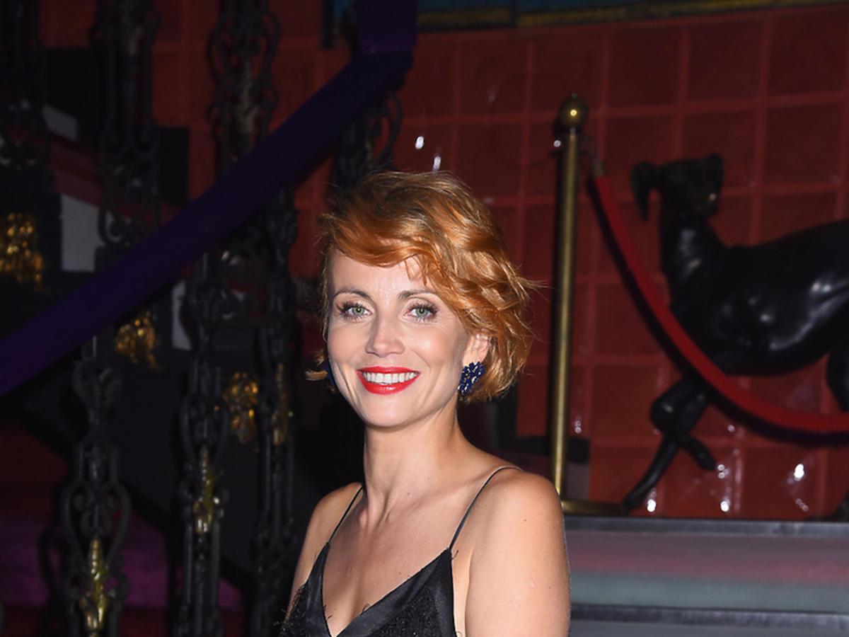 Katarzyna Zielińska z czerwoną torebką