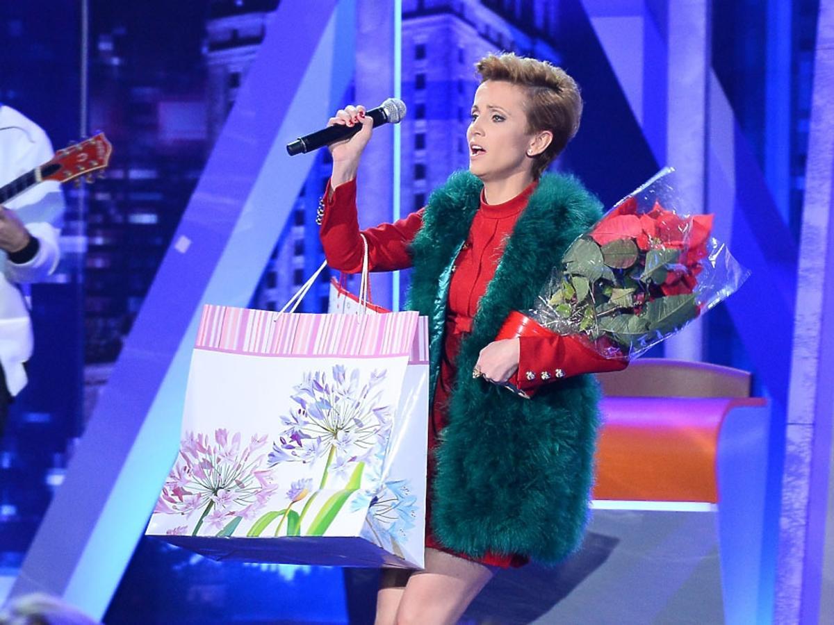 Katarzyna Zielińska z kwiatami