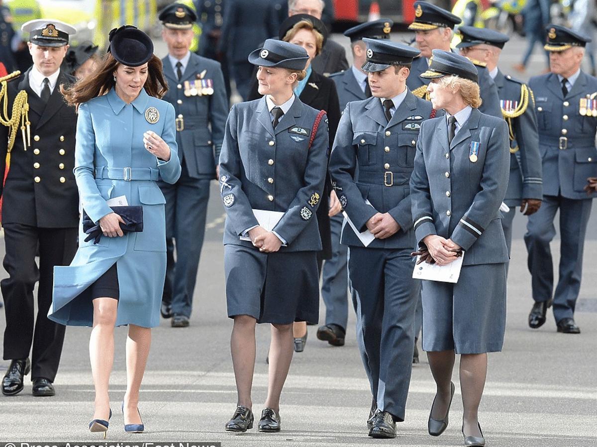 Kate Middleton w drodze na niedzielną mszę