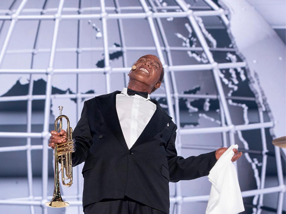 Kazik Mazur jako Louis Armstrong w