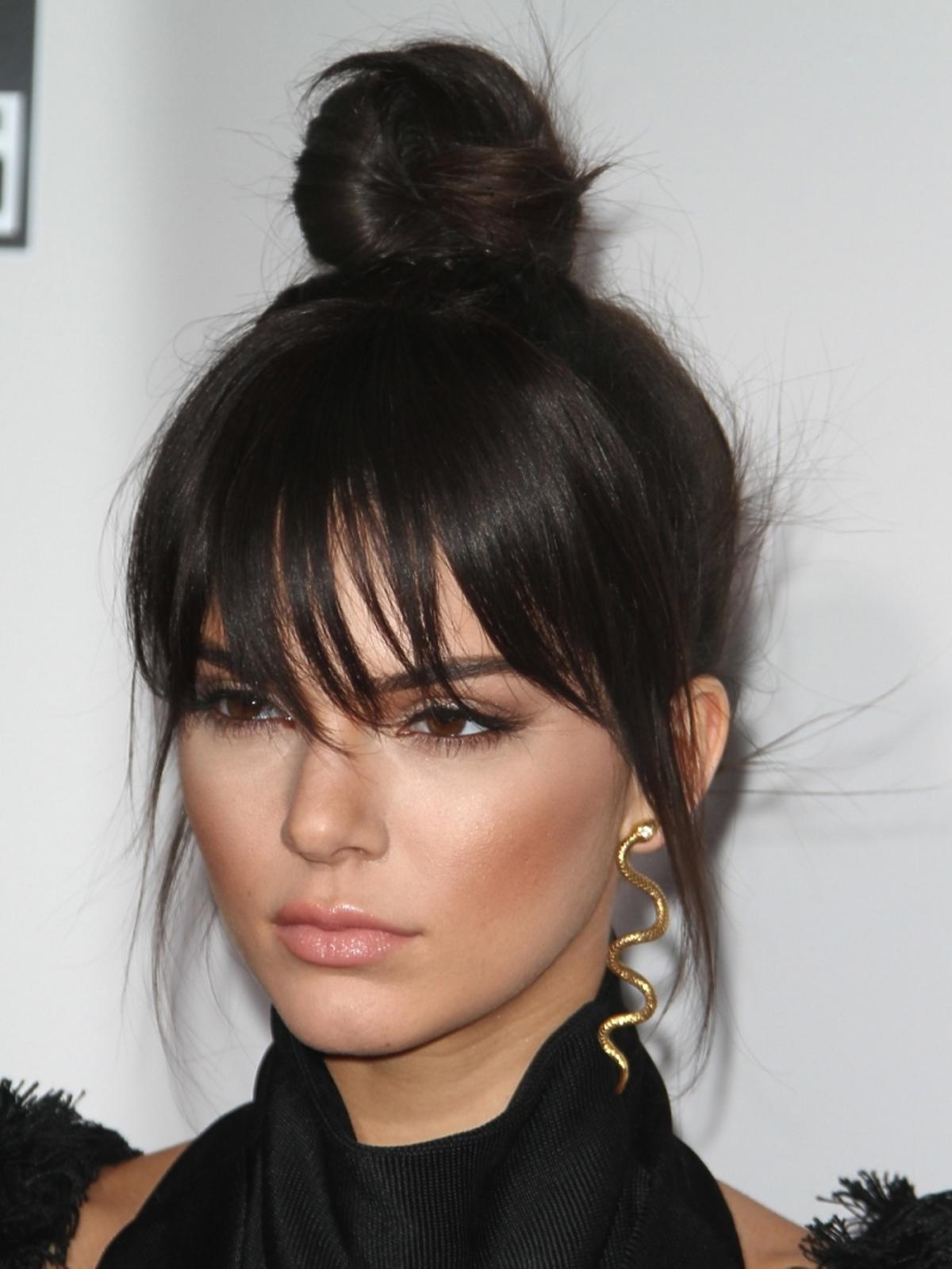 Kendall Jenner w wysokim koku