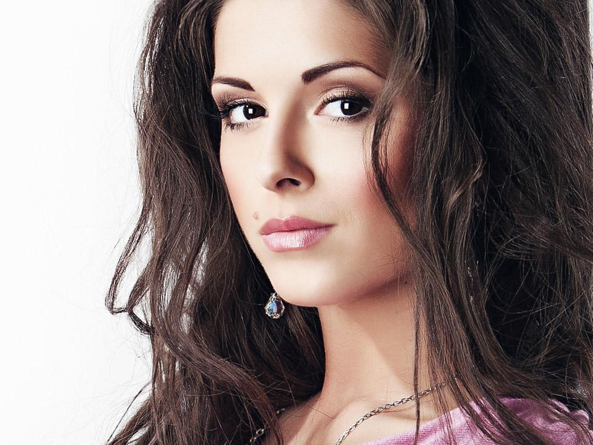 Kim jest Nyusha z Rosji? Nyusha Best Russian Act 2014. Nyusha MTV EMA 2014