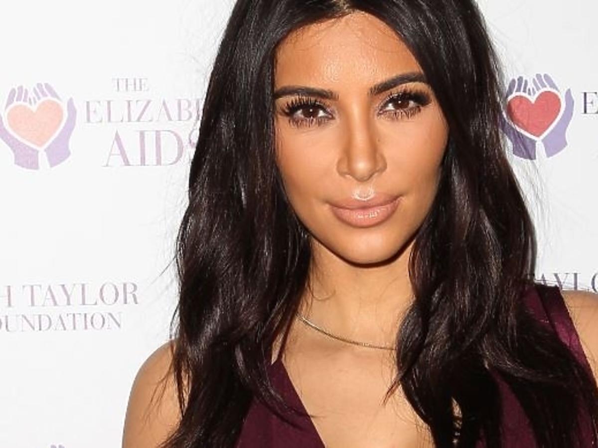 "Kim Kardashian na okładce magazynu ""Love"""