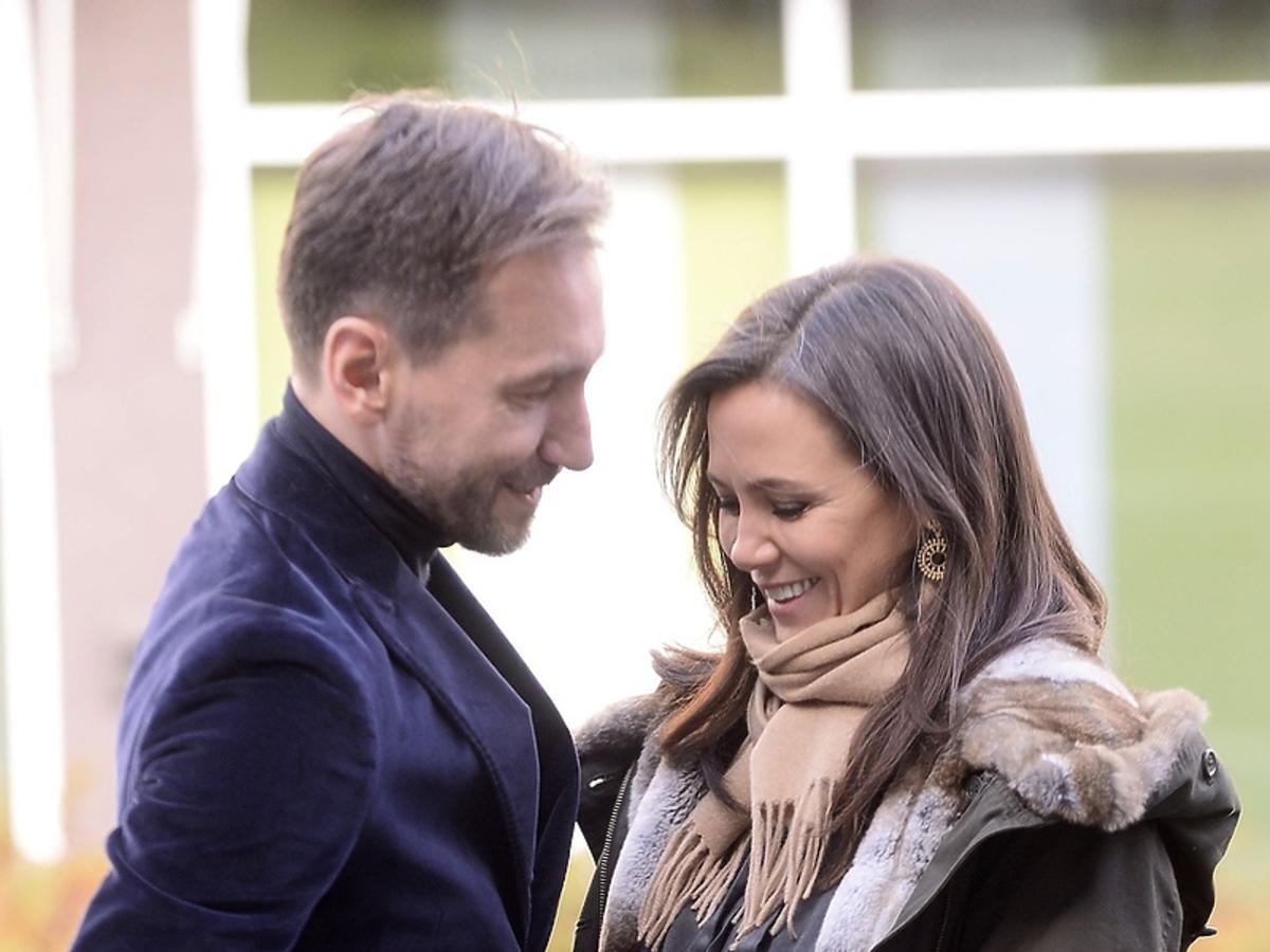 Kinga Rusin i Piotr Kraśko na ulicy po Dzień Dobry TVN