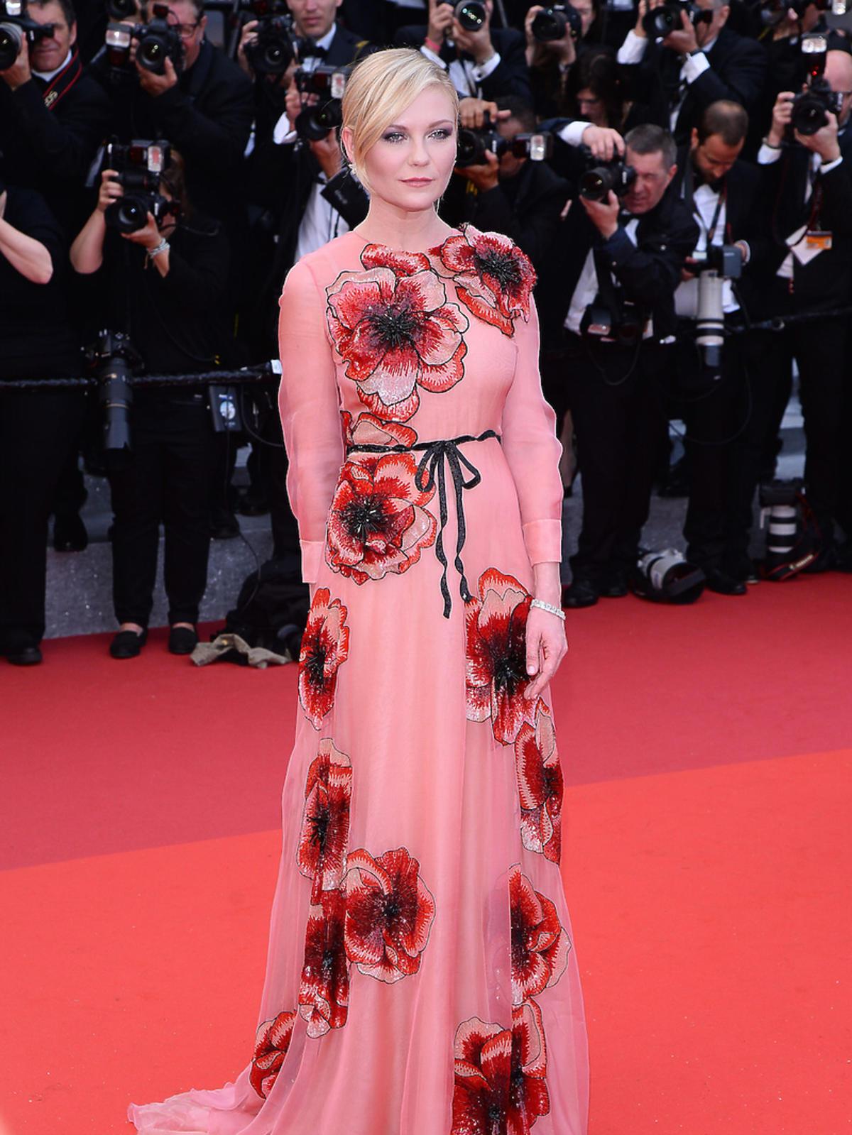 Kirsten Dunst w różowej sukni