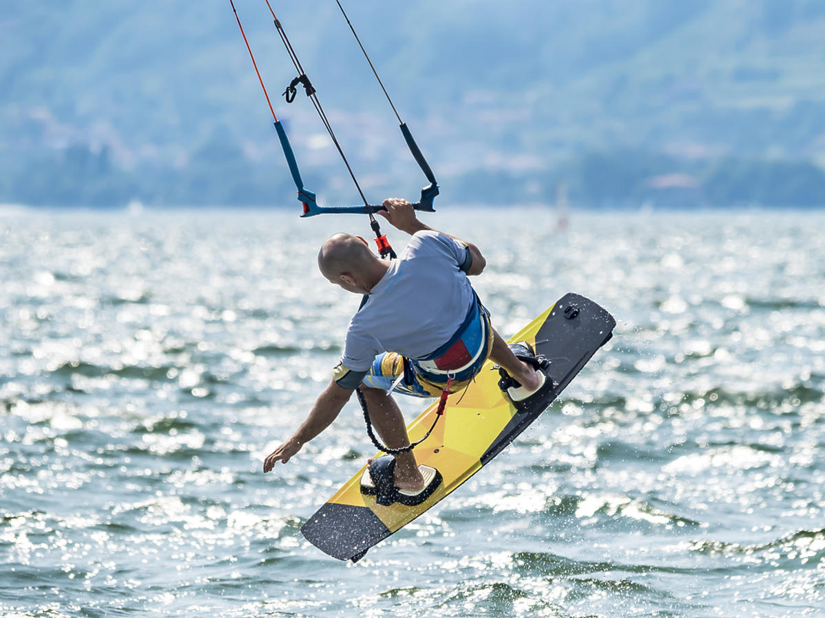 Kitesurfuing