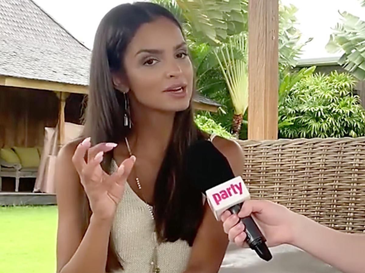 Klaudia El Dursi na planie Hotelu Paradise na Bali