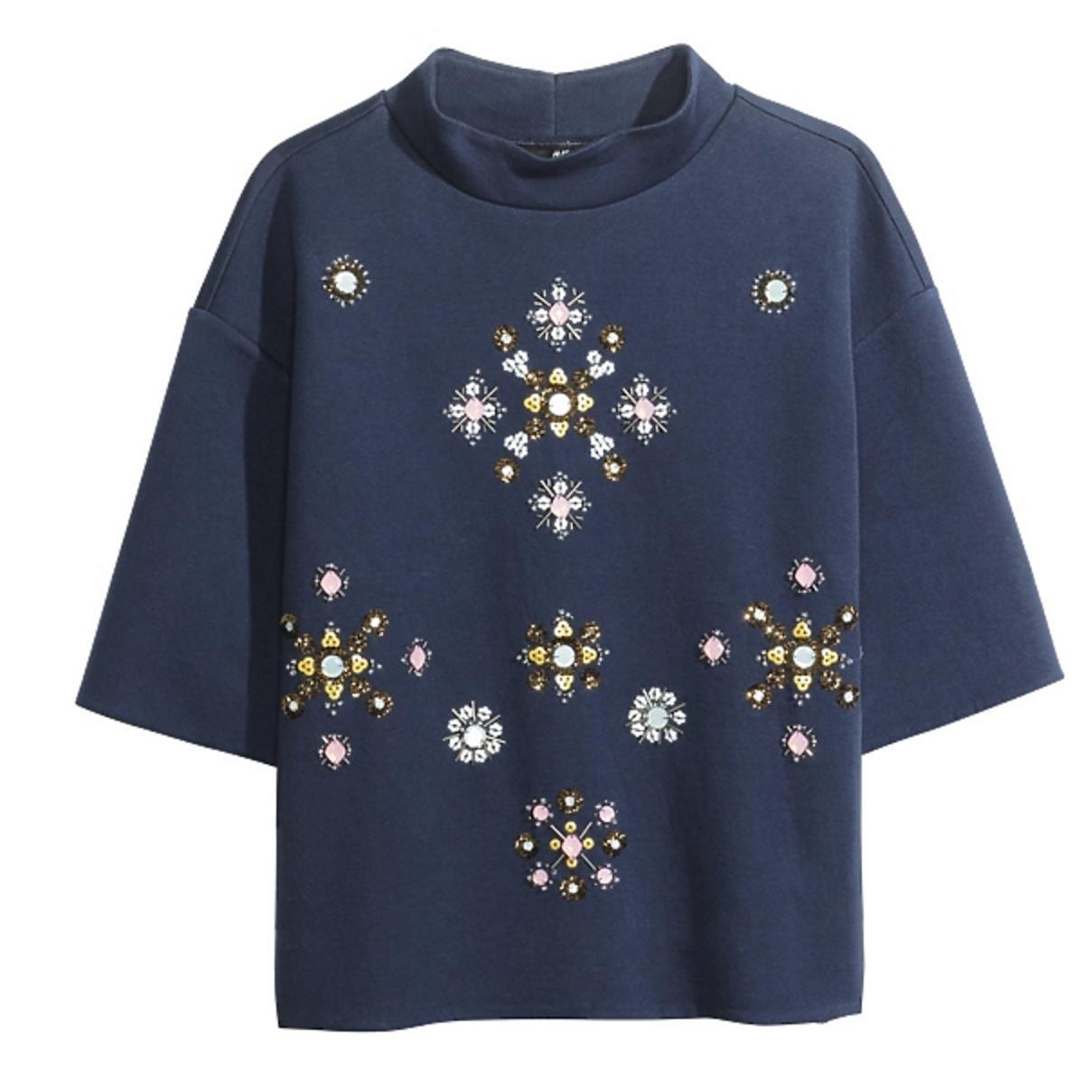 Klaudia Halejcio w bluzce H&M