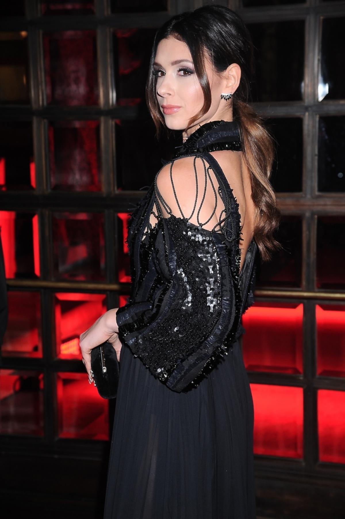 Klaudia Halejcio w sukni z odsłoniętymi plecami
