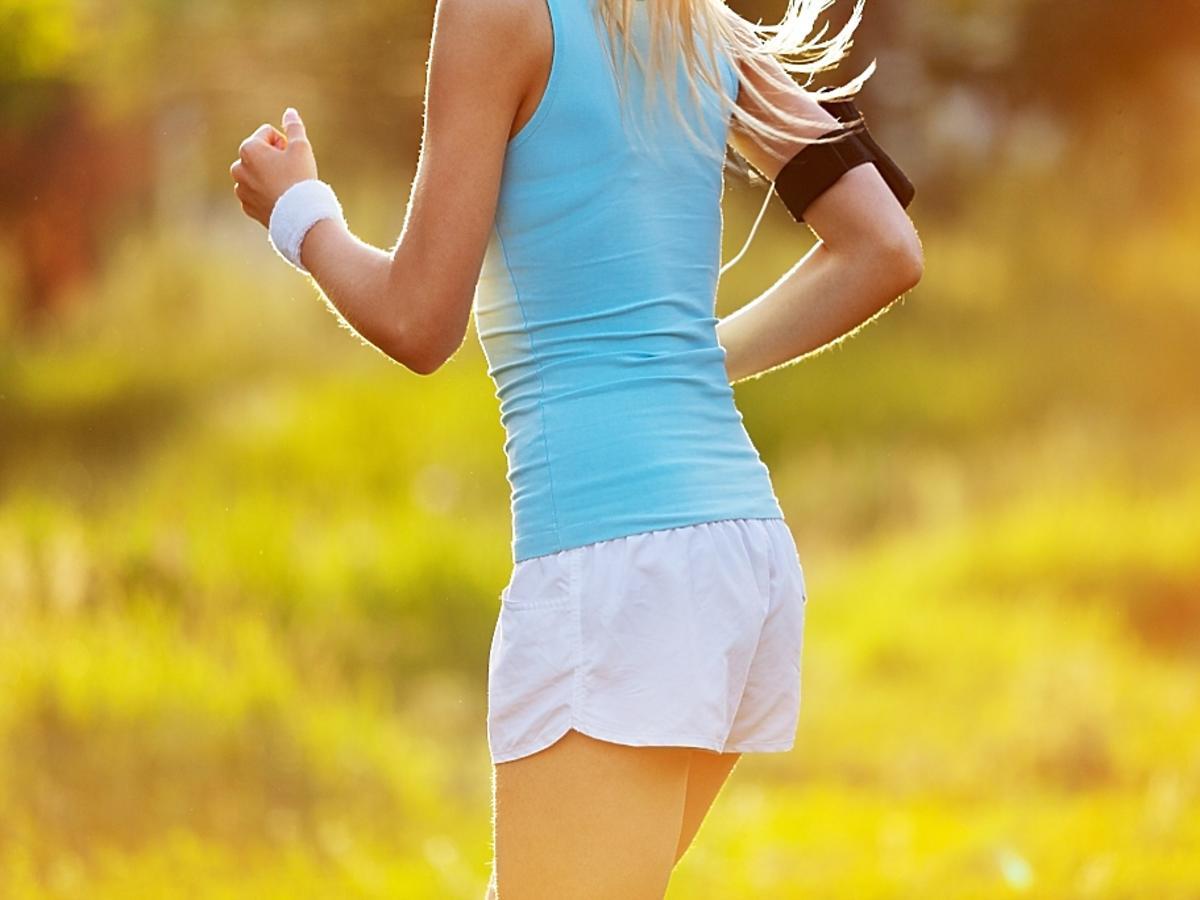 Kobieta biegnąca