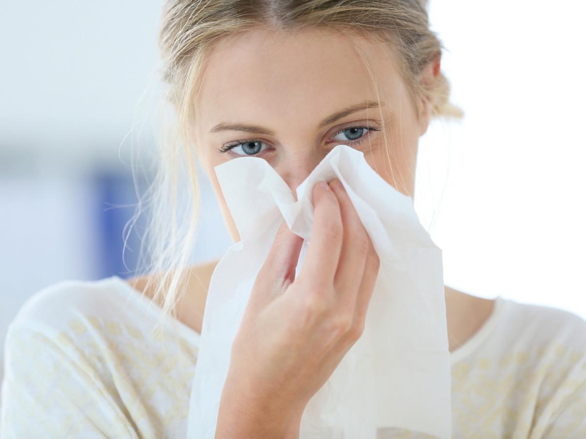 kobieta chorująca na grypę