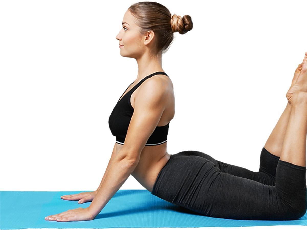 kobieta ćwicząca na brzuchu