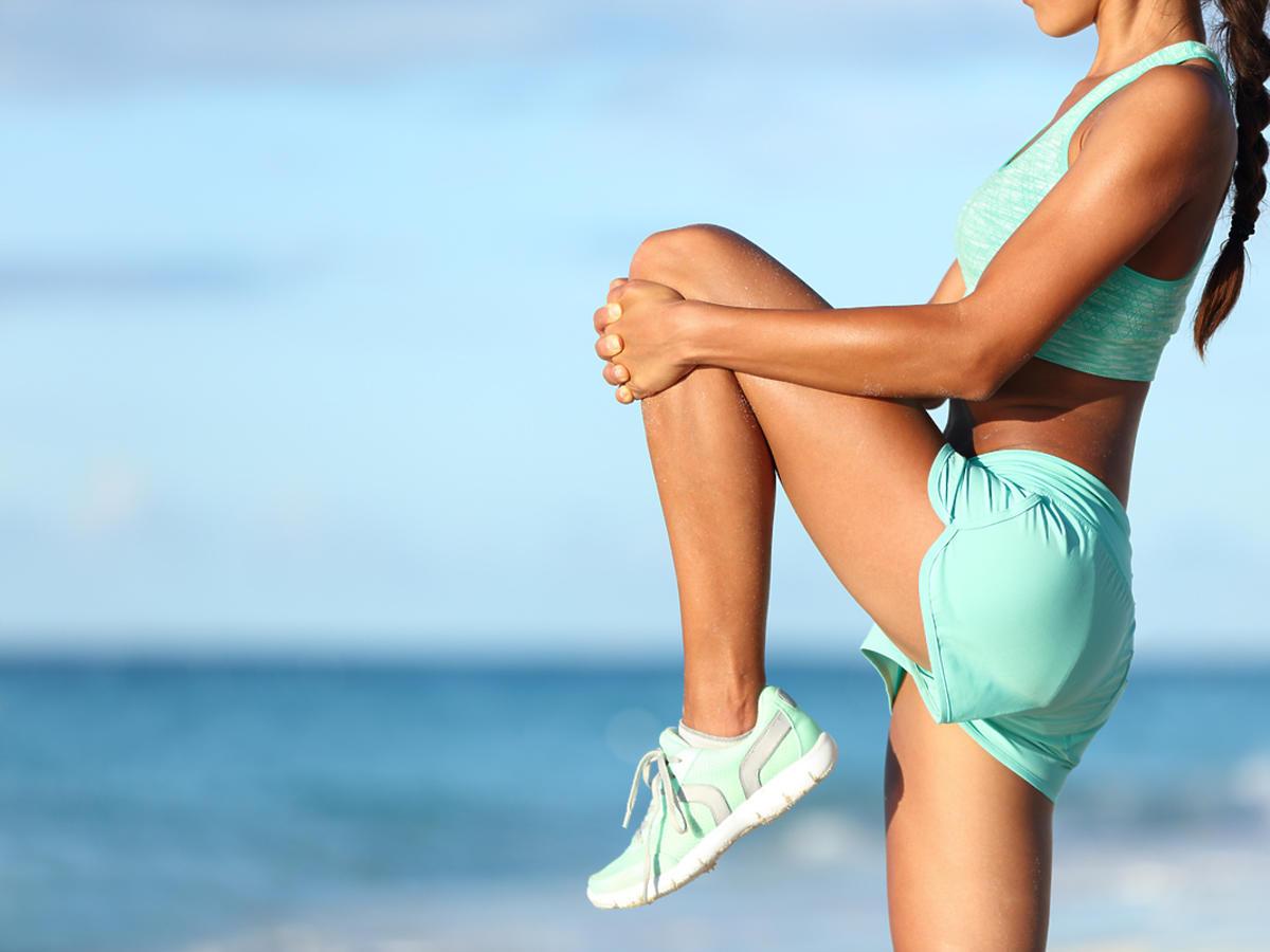 Kobieta ćwiczy po bieganiu