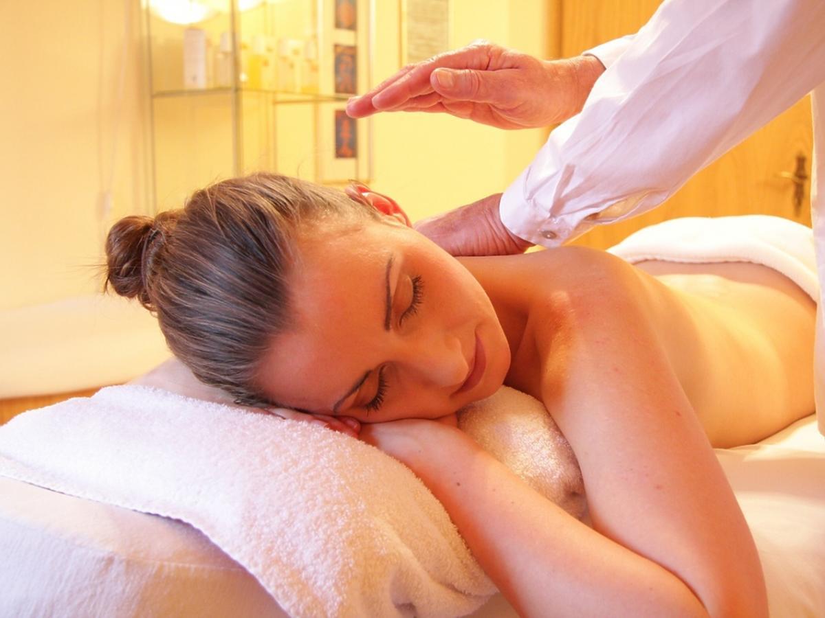 kobieta na masażu