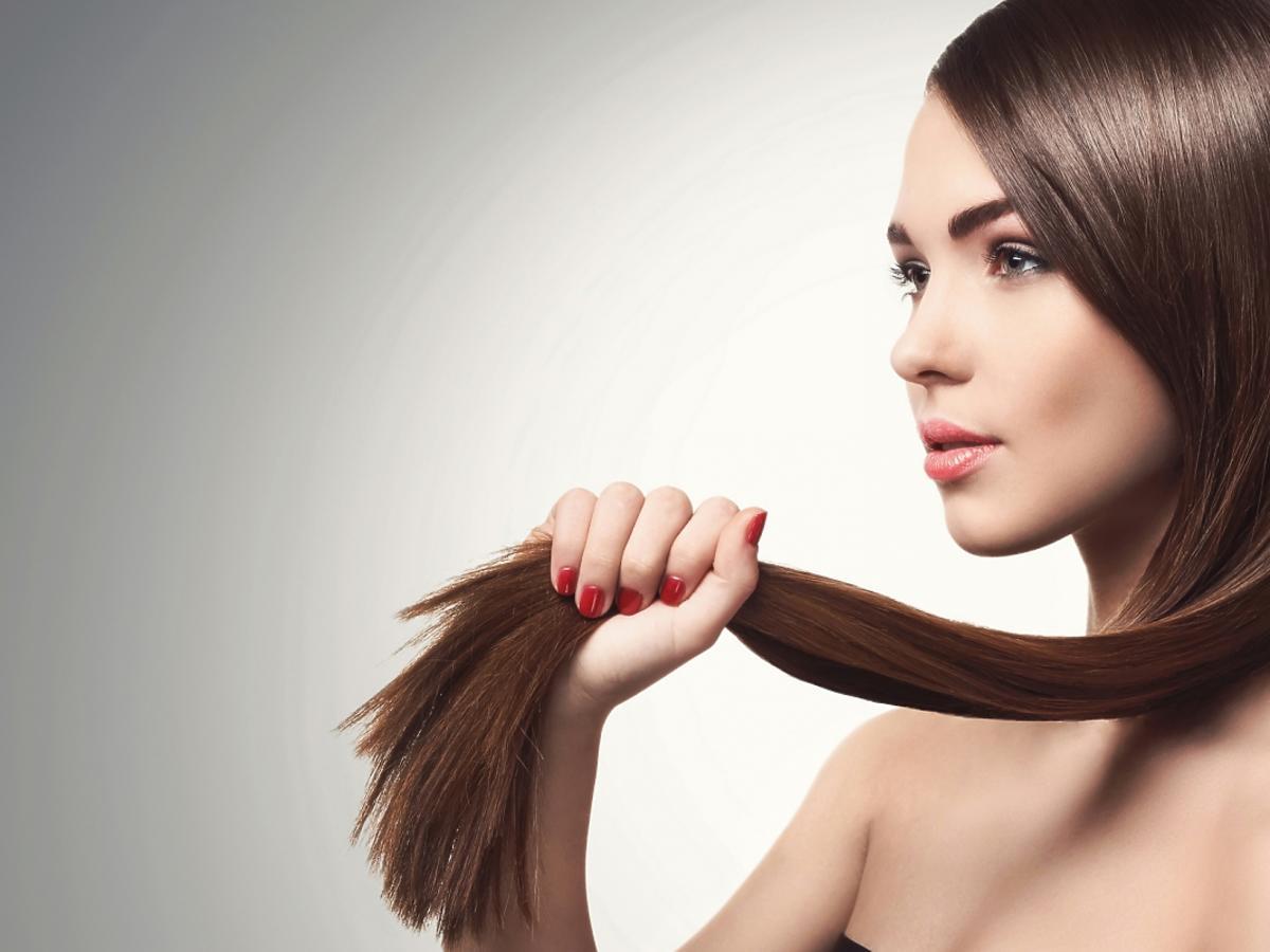 Kobieta o pięknych włosach