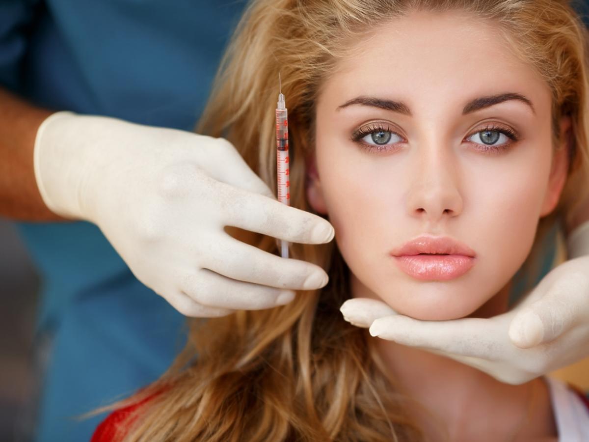 kobieta przed zabiegiem z botoksu
