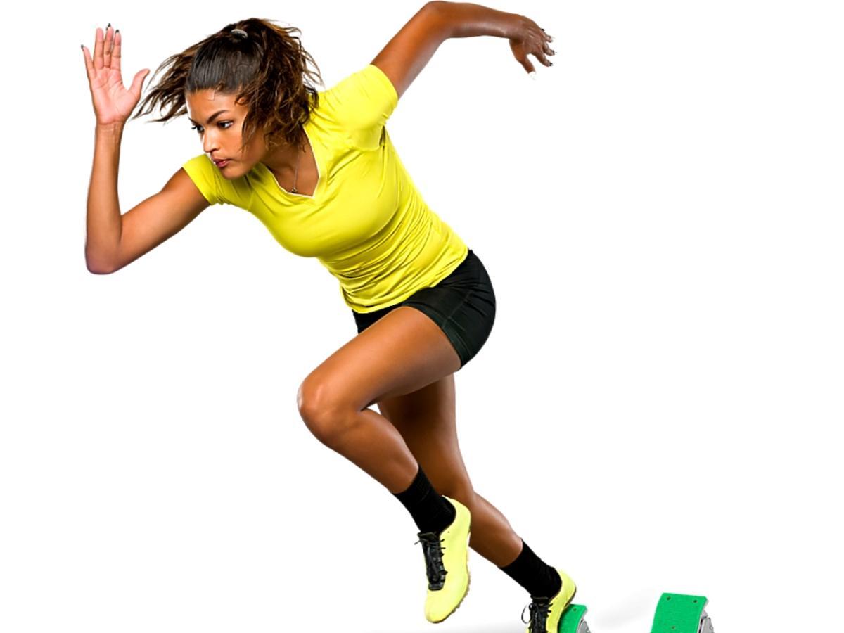 kobieta startująca do biegu